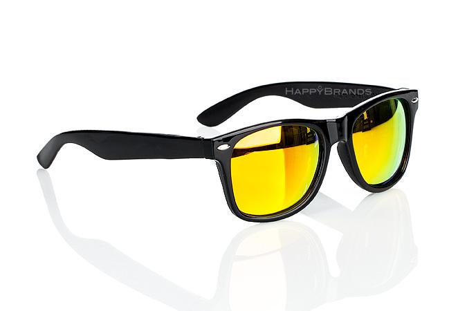 21-Sonnenbrille-mit-verspiegelten-Glaesern